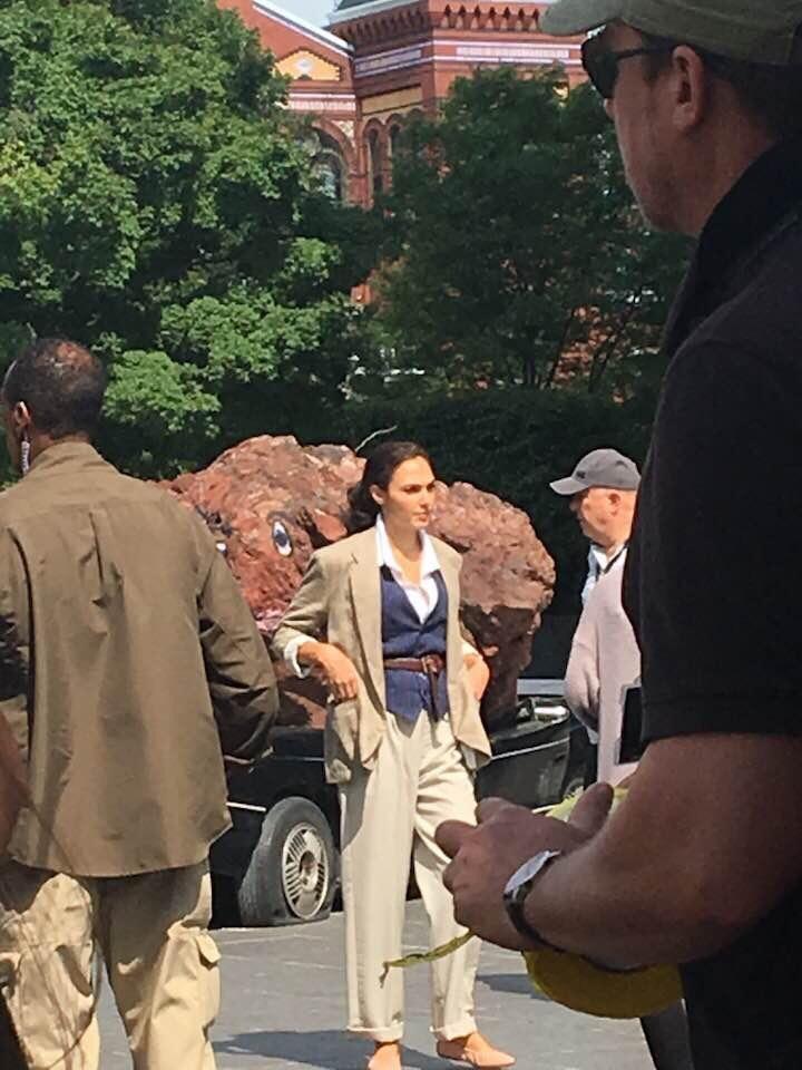 Chris Pine sẽ tiếp tục có mặt ở phần 2 của Wonder Woman cùng Gal Gadot