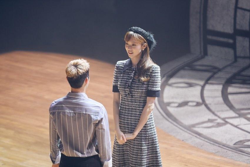 Lee Sung Kyung tung bộ ảnh tập nhạc kịch đẹp ngọt ngào