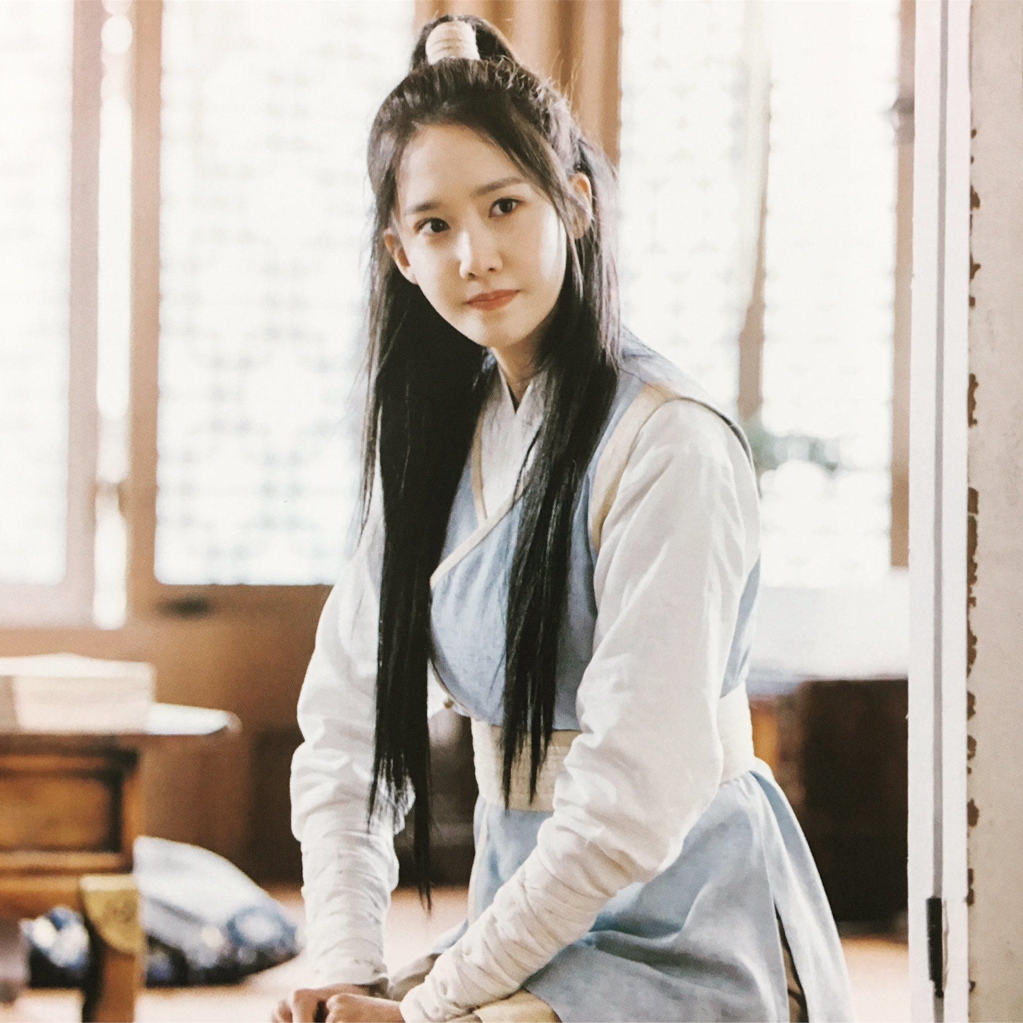 """10 mỹ nữ cải trang """"đẹp trai"""" và ấn tượng nhất màn ảnh Hàn"""