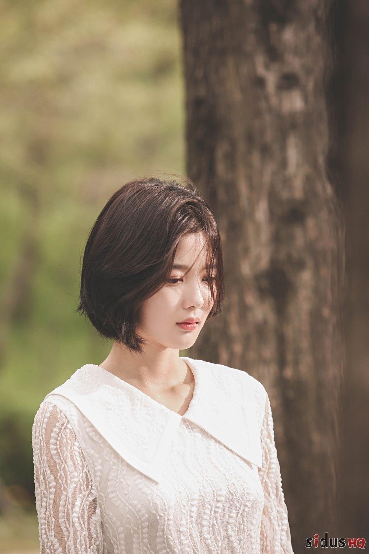 Kim Yoo Jung xinh đẹp dịu dàng trong bộ ảnh hậu trường quay MV