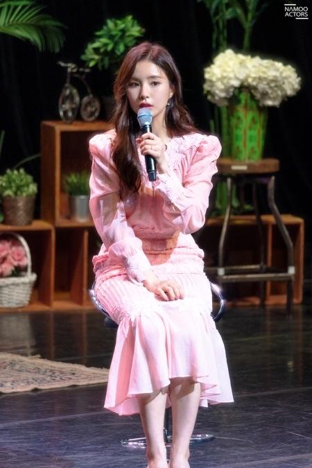Shin Se Kyung xinh đẹp thuần khiết cả trong clip tự quay
