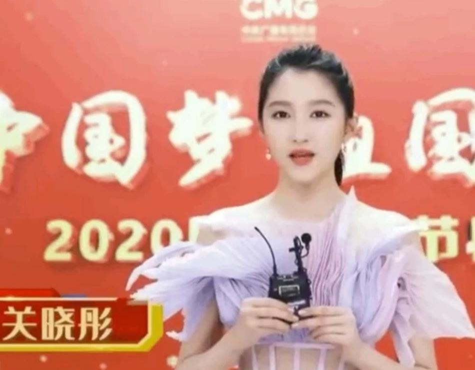 Dương Tử, Địch Lệ Nhiệt Ba lộ nhan sắc thật dưới ống kính CCTV
