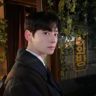 Cha Eun Woo và loạt mỹ nam thế hệ mới gây sốt vì ảnh trên Instagram