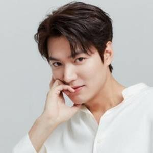 """Lee Min Ho và 15 năm """"lẫy lừng"""" liên tục tạo sức hút tại Kbiz"""