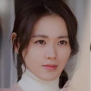 20 nữ diễn viên Hàn hot tháng 6: Song Hye Kyo liên tục thua Son Ye Jin