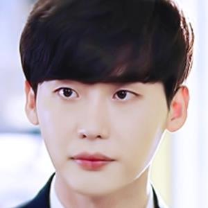 Lee Jong Suk và những bộ phim có 'visual nam sinh' sang - xịn - mịn