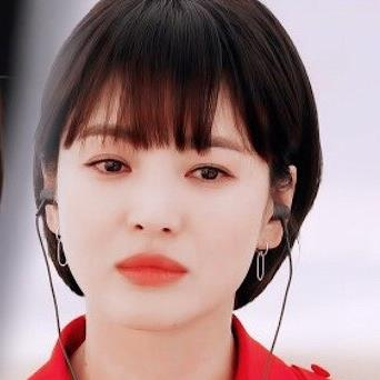 Song Hye Kyo nhận bình luận trái chiều về Now, We Are Breaking Up